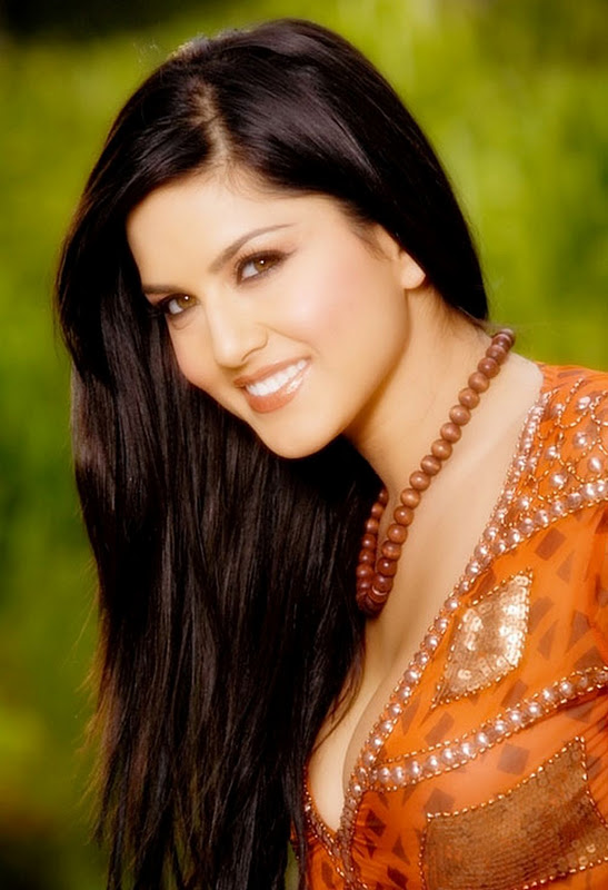 Sunny Leone Boobs Photo