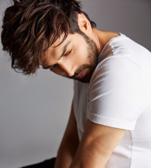 Kartik Aryan Age, Movie, Girlfriend, Biography, Wiki and More - Star Wikipedia