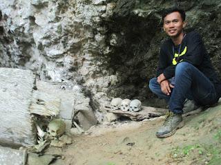 Old grave stone Kete Kesu Toraja