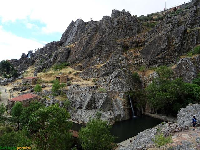 Ruta de los Fósiles en Penha Garcia en Portugal.