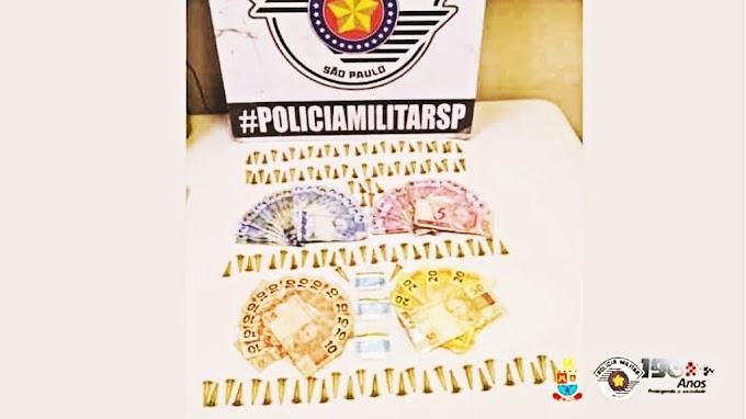 DUAS MULHERES ACUSADAS DE TRÁFICO DE ENTORPECENTES FORAM CAPTURADAS PELA POLÍCIA MILITAR  EM BIRITIBA MIRIM
