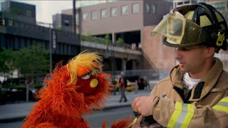Murray What's the Word on the Street Attach, Sesame Street Episode 4322 Rocco's Playdate season 43
