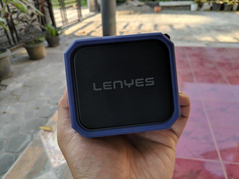 Desain Lenyes S105