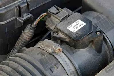حساس TPS من أهم حساسات السيارة كيف نشخص عطله بشكل دقيق و هل يؤثر على استهلاك البنزين