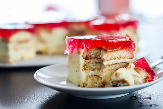 ciasta i desery,ciasta bez pieczenia,budyniowiec,budyniowiec bez pieczenia,ciasto z kremem bez pieczenia, ciasto z galaretką, budyniowiec z galaretką