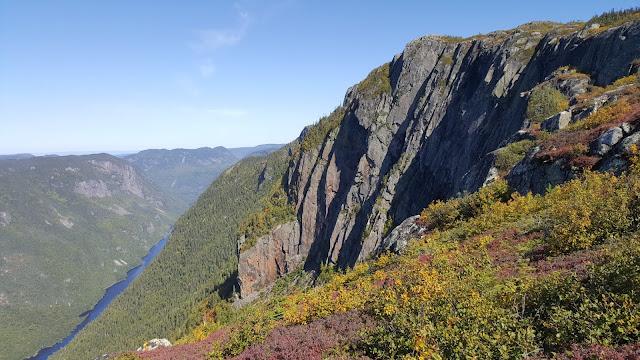 Vue à partir du sommet du mont des Érables (Acropole des Draveurs)