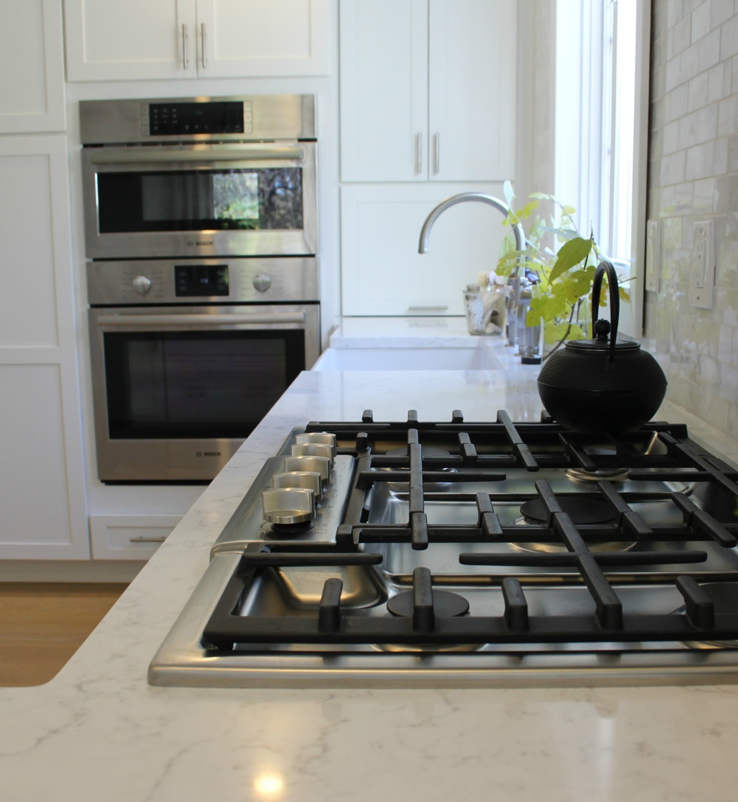 hello lovely-white-Shaker-kitchen-Minuet-quartz-tranquil-timeless