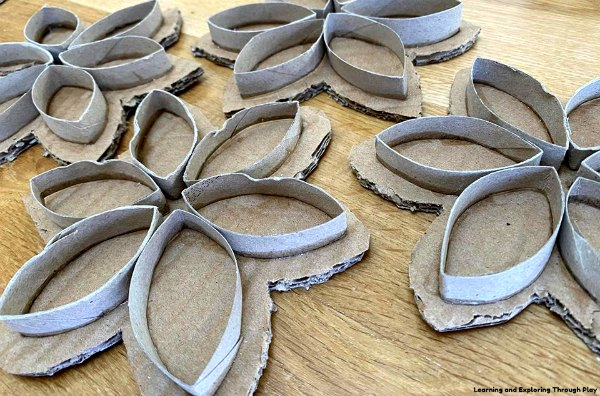 Cardboard Roll Flowers- Recycled Crafts for Kids