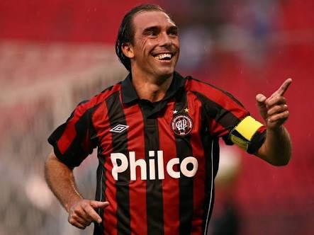 Paulo Baier ex jogador do Atlético Parananense esta de volta ao futebol