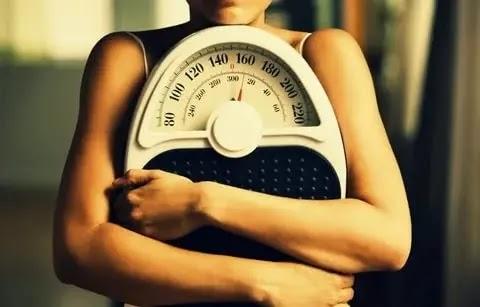 10 أسباب مدهشة لعدم فقدان الوزن