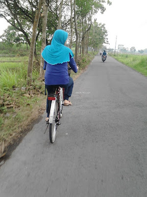 Me time sehat : Naik Sepeda Keliling Area Persawahan