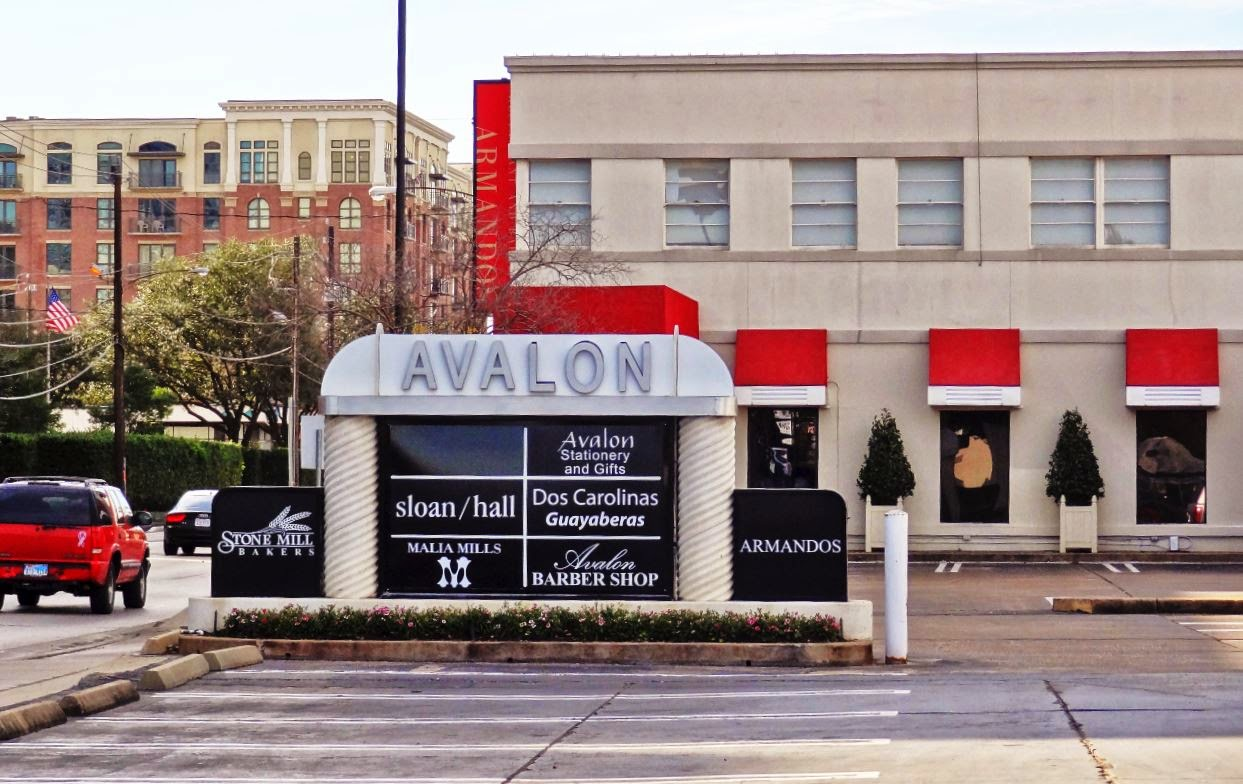 Avalon Shopping Center - Armandos Restaurant (photo)