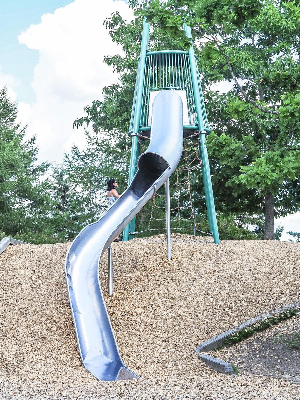 Päiväretkellä Launeen perhepuistossa