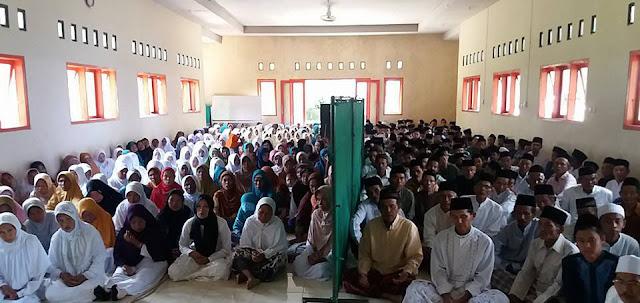 Pentingnya  Pondok Pesantren di Kota Metropolitan (Al-Jihad Suraba