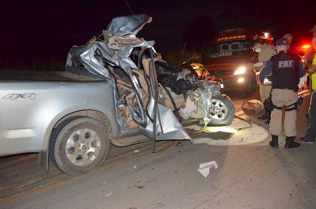 Policial fica ferido e esposa morre após acidente na BR-364 em Jaru