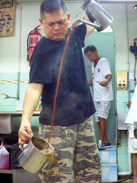 Kopi-O-Kampung-Chicken-Eggs-Kaya-Butter-Bun-Kin-Hua-JB-Johor