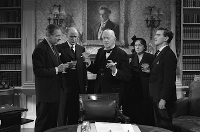 Laughter in Paradise - Ernest Thesiger, Alastair Sim, Fay Compton, Guy Middleton, and George Cole