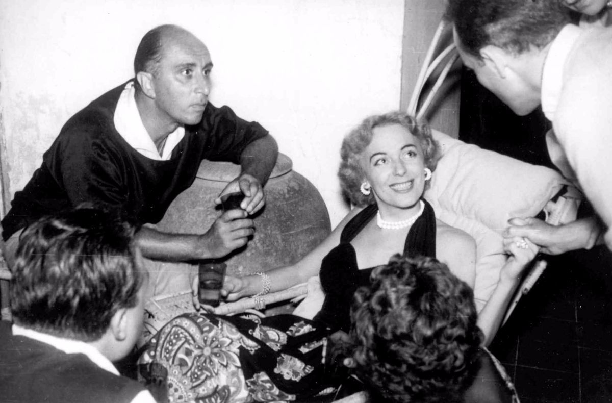 christine jorgensen biography This is, hatch, the his'n-her-maphroditic story of christine, christened george when born in 1926, called brud by her family (fond, decent, churchgoing.