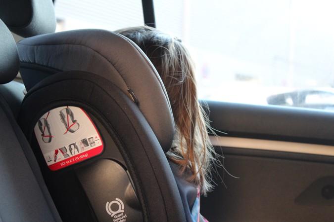 en el coche sin abrigo
