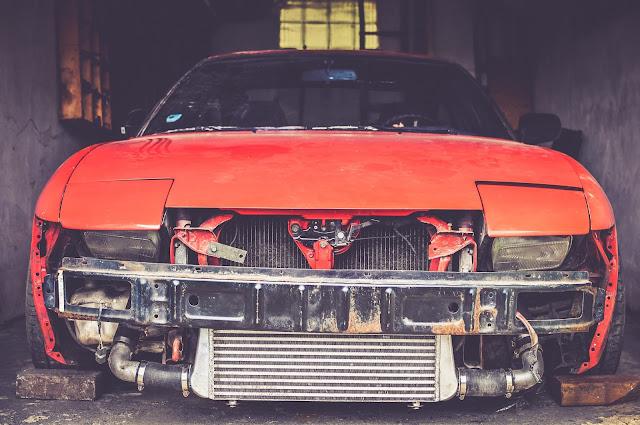 Zostań bohaterem w swoim garażu. Poradnik, jak naprawiać i dbać o auto. Blog Motodrama.