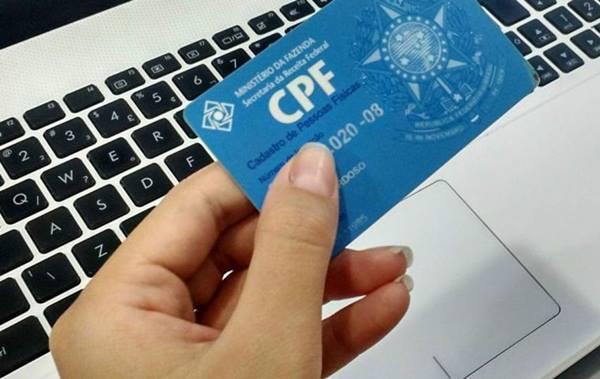 Receita regulariza CPFs para pagamento de auxílio emergencial