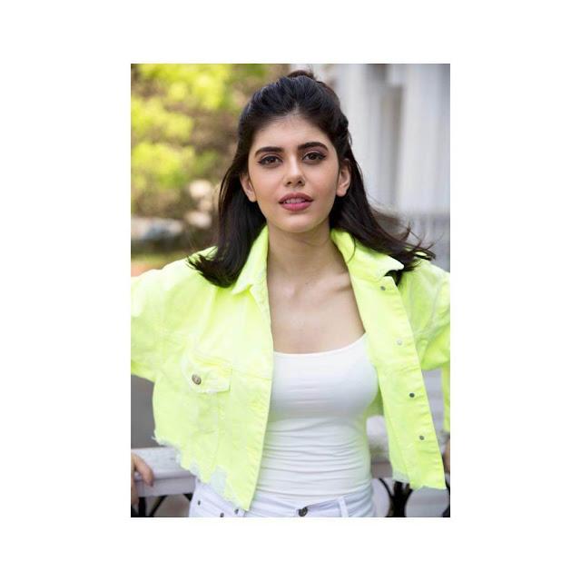 Sanjana Sanghi 13