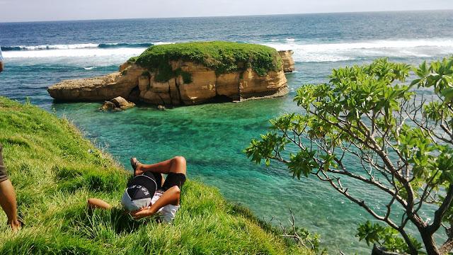 Pantai Kura-Kura Surga Lombok