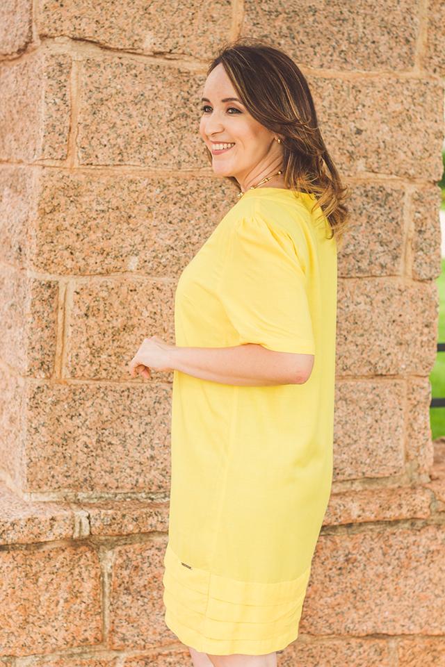 vestido amarelo, peças versáteis, peças práticas, roupas práticas, yellow dress, blog camila andrade, lojas de roupas em ribeirão preto, blogueira de moda em ribeirão preto, fashion blogger em ribeirão preto, blog de dicas de moda, blogueira do interior paulista