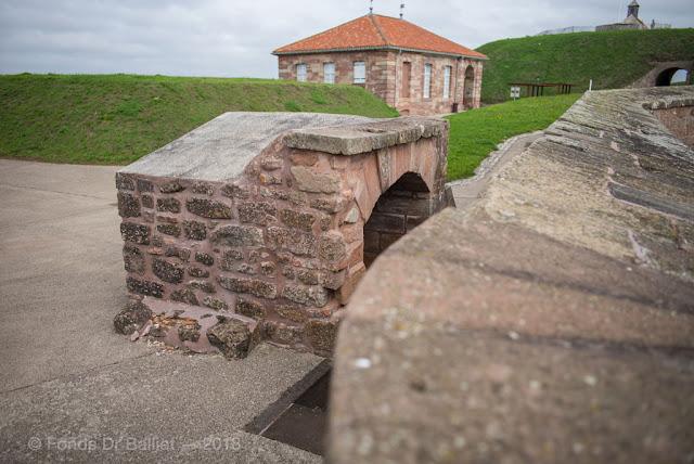 Citadelle de Bitche - Latrines allemandes sur le rempart