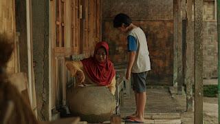 ADEGAN FILM 6,9 DETIK- Aries kecil dan ibunya