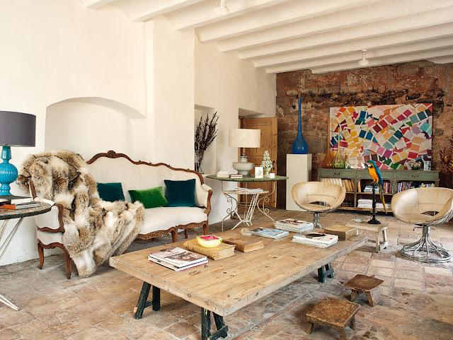 Interior eclectic și plin de personalitate într-o vilă de lângă Barcelona