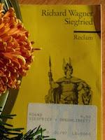 http://www.reclam.de/detail/978-3-15-005643-1/Wagner__Richard/Der_Ring_des_Nibelungen__2__Tag__Siegfried
