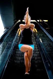 sadhana el sendero del yoga garudasana la postura del águila