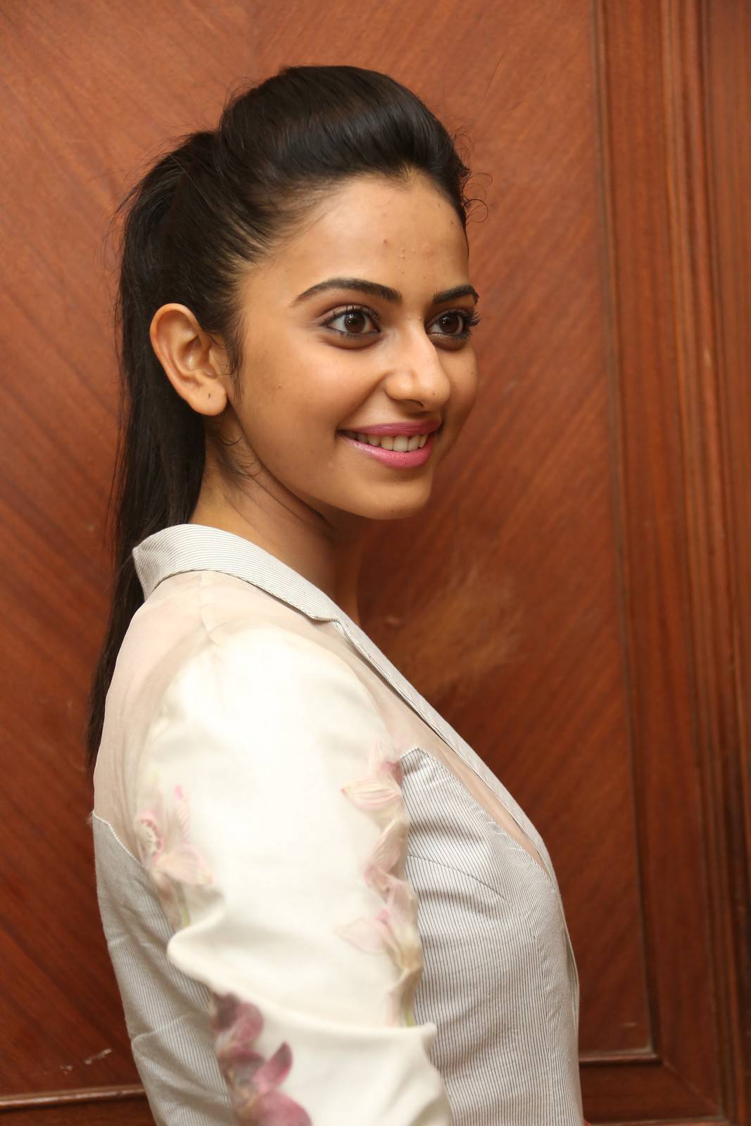 Rakul Preet Singh Latest Stills In Pink Top