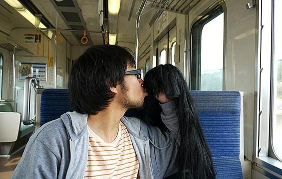 10 Foto Lucu 'Khayalan Jomblo Bersama Kekasih' Ini Mengenaskan Banget