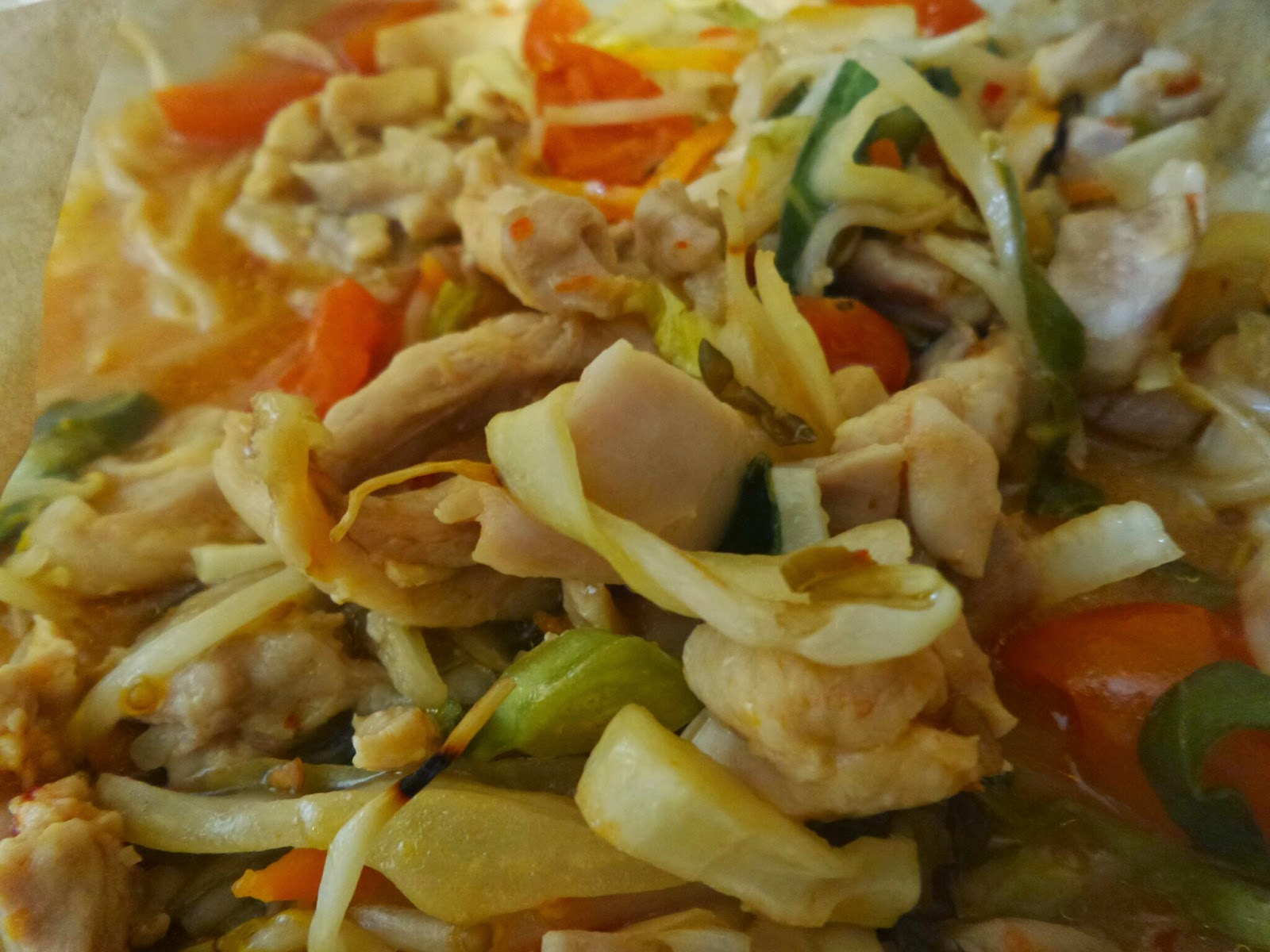 Microwave cooked Chicken, Noodles and Veg