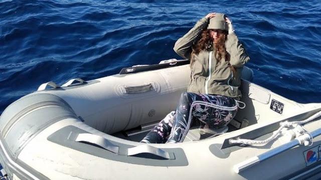 Жена изгубена в морето оцеля, като яла бонбони