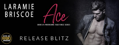Ace by Laramie Briscoe Release Review + Giveaway