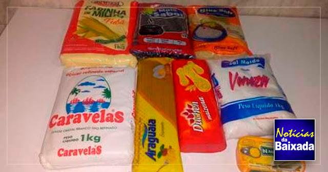 Alunos da rede estadual recebem cestas básicas com oito itens na Baixada