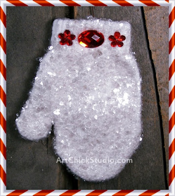 Recycled Mitten Christmas Ornie