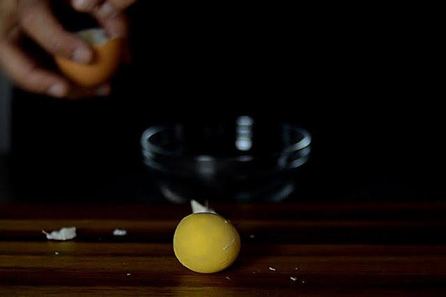 egg yolk for rosemary cookies