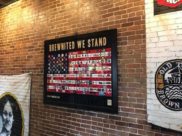 Die Craft-Breweries der USA auf einer Stars & Stripes festgehalten