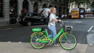 Electric bikes can slash transport emissions and offer workers a way to return to the workplace during coronavirus, a new study has found.