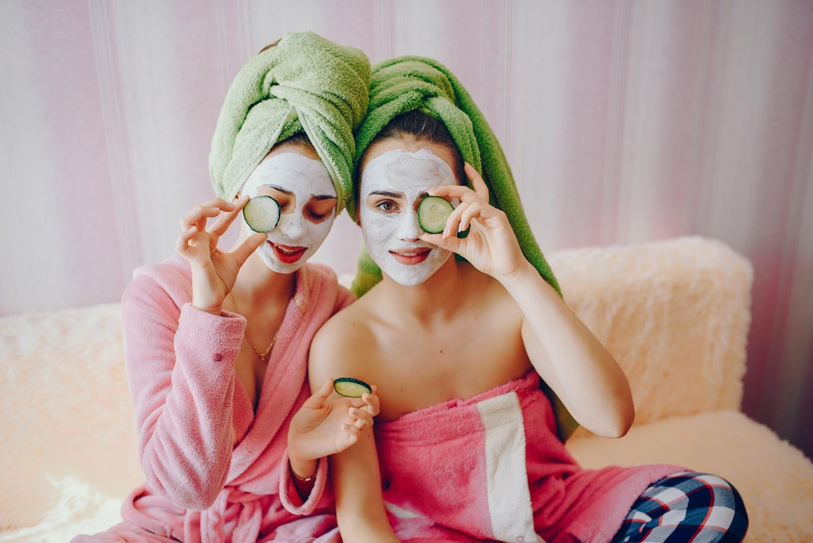 Staycation Tips for Your Next BFF Bonding