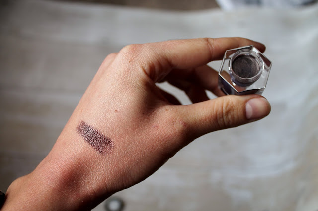 Rituel de Fille Ash and Ember Eye Soot Serpent De Mer Swatch