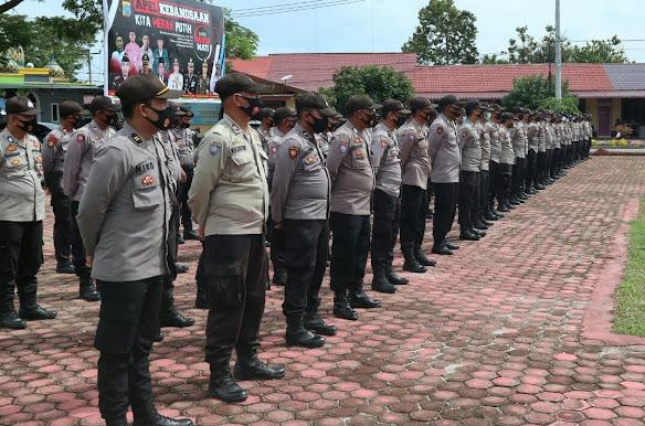 Personil Polres Batubara yang akan bertugas dalam Pilkada Asahan dan Tanjung Balai. (Pelitaharian/H.Guntur)
