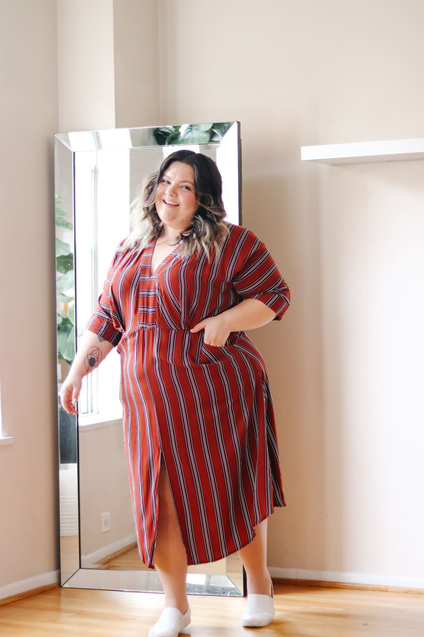 Chicago Plus Size Petite Fashion Blogger Natalie in the City work from home plus size dresses Dressbarn lounge dresses