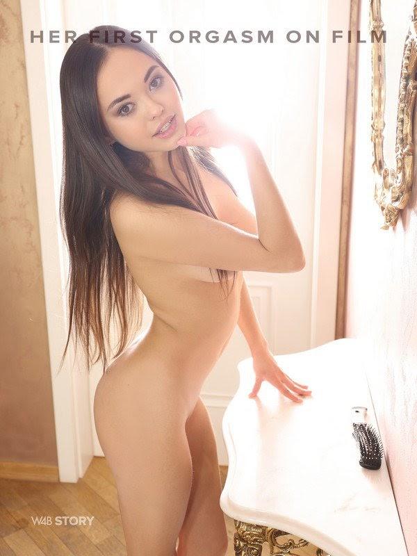 [Watch4Beauty] Li Moon - Her First Orgasm On Film Ever