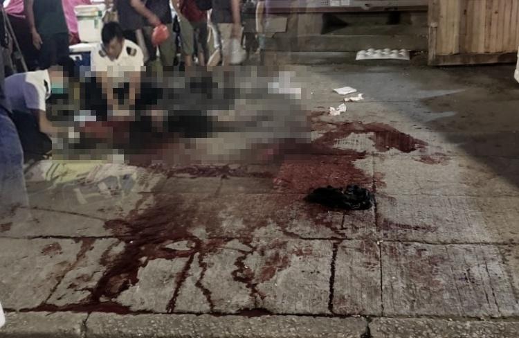 Ditusuk Dengan Pisau Berulang Kali oleh Rekan Kerjanya,Pemuda 17 Tahun di Yuen Long Berlumurah Darah dan Jatuh Koma