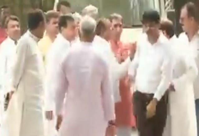 यूपी में कांग्रेस की हार पर समीक्षा बैठक में भिड़ गए पार्टी के नेता